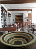 Panorámica del restaurante de cocina de autor Biblioteka.